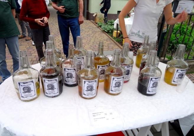 baumbluetenfest_wine